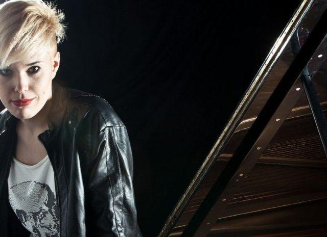 Dopo aver giocato con i bottoni, la giovane pianista fiorentina Giulia Mazzoni pronta al quarto tour in Cina