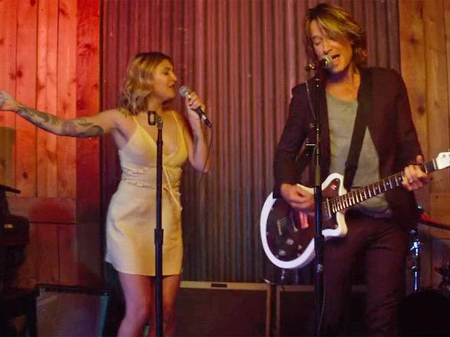 Dopo il successo del brano Coming Home (scritto e interpretato insieme a Keith Urban), il ritorno di Julia Michaels