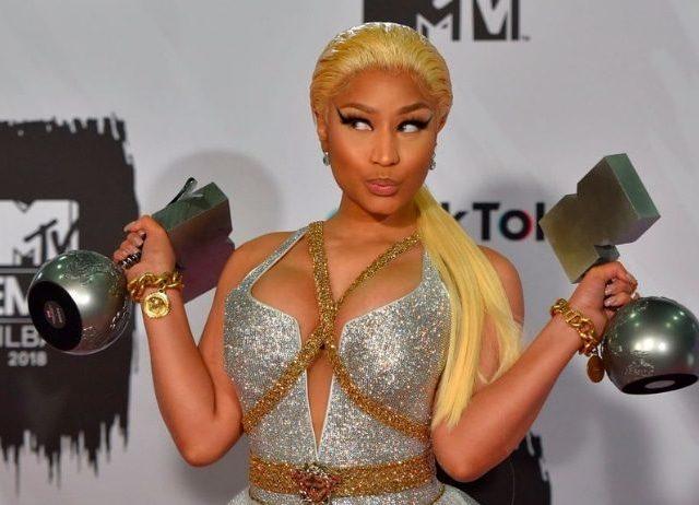 La prorompente rapper Nicki Minaj: il suo nuovo brano è Megatron ..