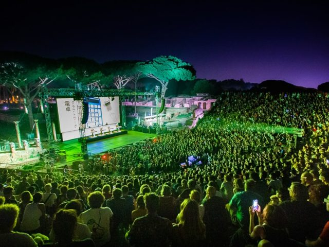 Grande successo per il festival di Ostia Antica, dai Kraftwerk a Loredana Bertè