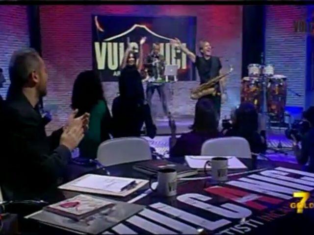 Nel programma Vulcanici (di/con Michelengelo Iossa) ospite il sassofonista Steve Norman degli Spandau Ballet, dopo aver visto Omar Pedrini, l'attore Alessio Boni ed il produttore Geoff Westley