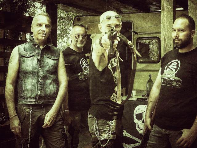 EX: 20 anni di attitudine! Una vita al massimo per il rock italiano.