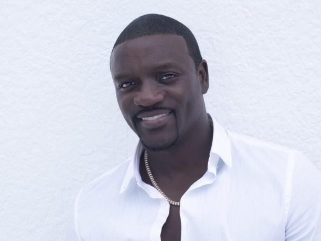 Akon con tre dischi, tra latin music, afrobeats ed urban