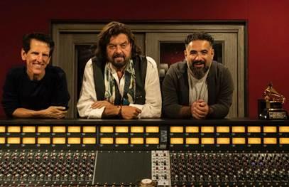 Faro, Parsons e Brooks insieme per una nuova versione di Grown Up Christmas List