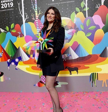 Laura Pausini, premio alla carriera in Spagna e nuova edizione per il primo album del 1994