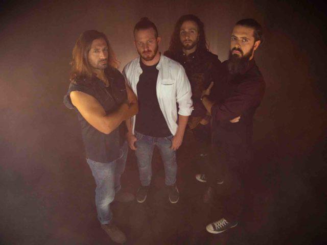 """La rock band dei Roommates annuncia l'album """"Roots"""" ispirato dalla Divina Commedia."""