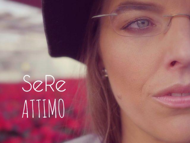 La vita è così breve .. dura un attimo, non posso più attendere per vivere davvero: il videoclip di SeRe alias Serena Filippi ..