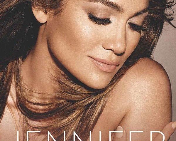 Auguri alla 50enne (!) Jennifer Lopez, sempre vicina alla sua Puerto Rico