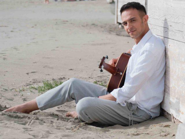 Intervista a Diego Rubiconti, chitarrista marchigiano che Venerdì 13 Settembre pubblica il suo singolo
