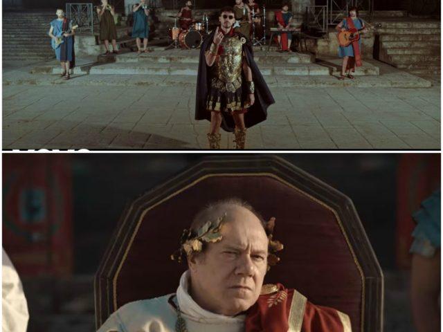 Dime la formazione de la Roma: vestiti da antichi Romani, Carl Brave e Carlo Verdone nel nuovo videoclip..