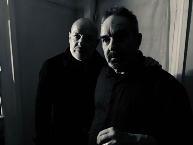 Roger e Brian Eno lanciano un contest video per Mixing Colours