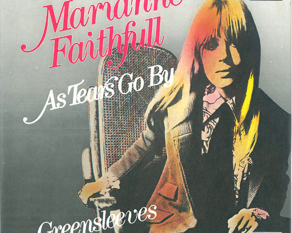 Marianne Faithfull (quella di As Tears Go By, brano di Mick Jagger e Keith Richards) ricoverata a Londra per Covid-19
