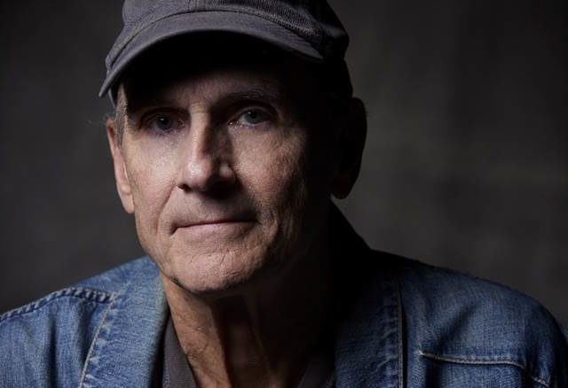 James Taylor torna con il video di As Easy As Rolling Off A Log