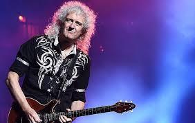"""Brian May riceve il titolo di miglior chitarrista del mondo dai lettori di """"Total Guitar"""" . Scopriamo chi è il """"Doc"""""""