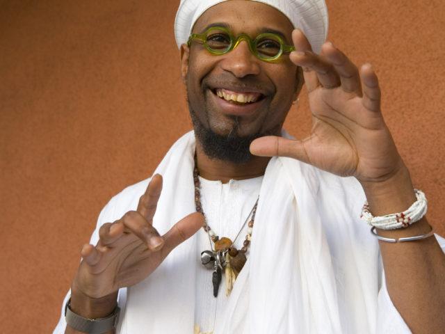 """Omar Sosa con Ernesttico in """"B-Black"""" Viaggio a Cuba il 25 luglio alla Casa del Jazz di Roma"""