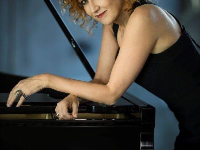 Fiorella Mannoia ed il video del nuovo singolo Chissà Da Dove Arriva Una Canzone
