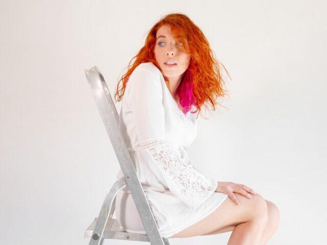 Esce Ristutturazioni, il nuovo album di Agnese Valle