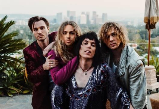Pubblicato l'album Strange Days, il terzo della glam rock band The Struts
