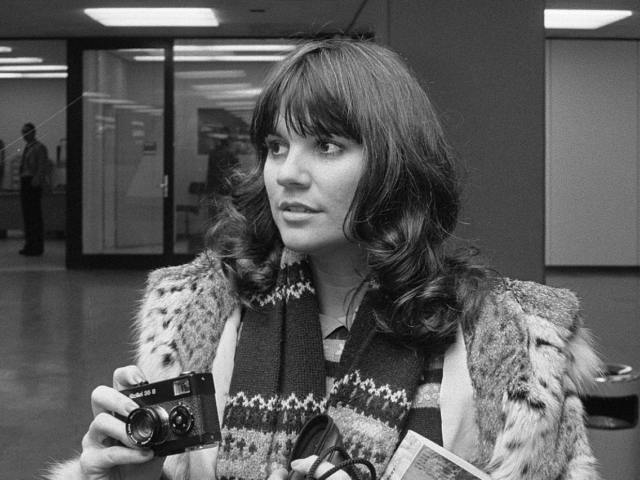 Love Is A Rose – Linda Ronstadt canta una canzone d'amore scritta da Neil Young