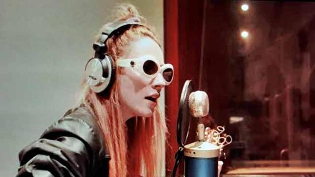 Elenoir omaggia Patty Pravo con un suo remake di La Bambola