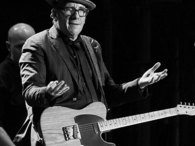 Alison – Elvis Costello folgorato (e ispirato) da una cassiera di un supermarket