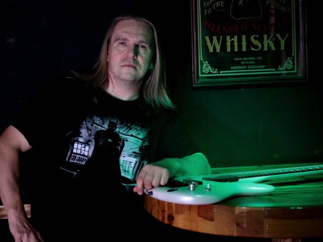 Jari Behm, ex bassista degli StratovariuS nel progetto StratofortresS