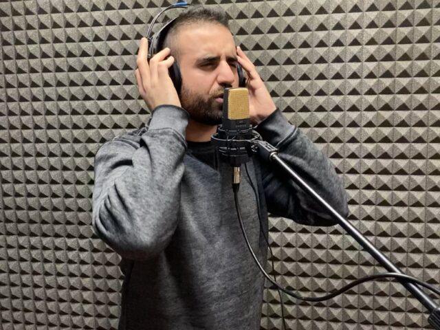 Seb Puggioni: una intervista tra l'orto dei desideri e le lacrime al microscopio