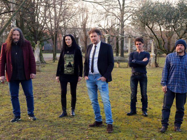 I Twenty Four Hours pubblicano un nuovo brano per la prima volta in italiano.