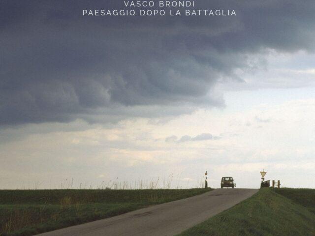 Vasco Brondi torna il 7 maggio con Paesaggio dopo la battaglia