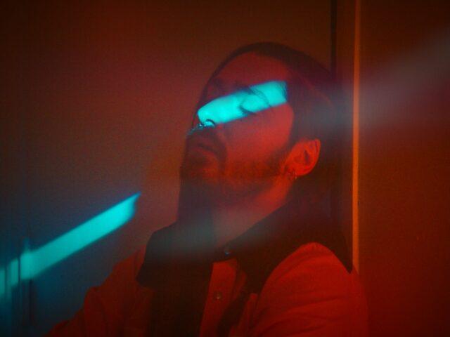 Il video di Siamo Rotti Dentro, nuovo brano firmato di Diego Di Gioia alias Il Cartello