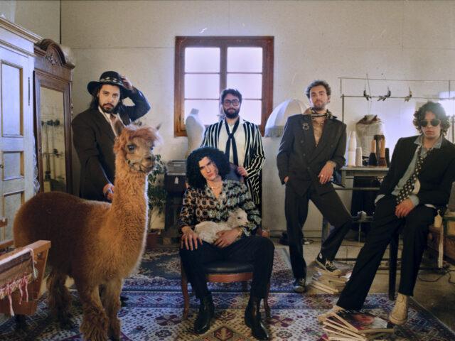 La Monarchia: il nuovo singolo è Ossa