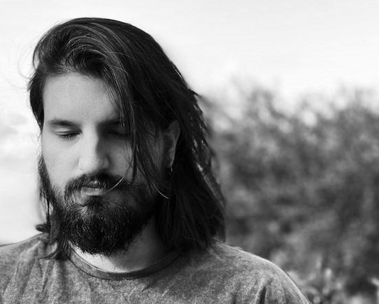 Mattia Cupelli: suono neo classico con Monolith