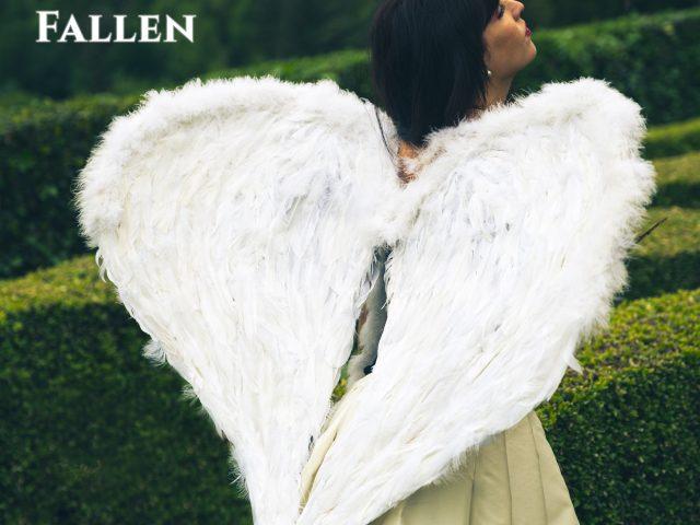 La musica è volo: Ninaì pubblica Fallen, videoclip leggiadro