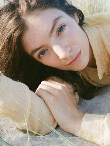 La rockstar neozelandese Lorde lancia il suo terzo disco intitolato Solar Power