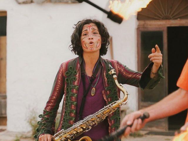 Tra i trulli di Castelluccio il videoclip di Sabrina De Mitri