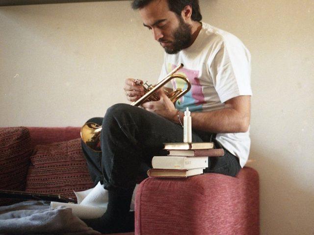 Pensando alle ambientazione di De Chirico e Dino Campana, escono tre diverse canzoni di Fazio