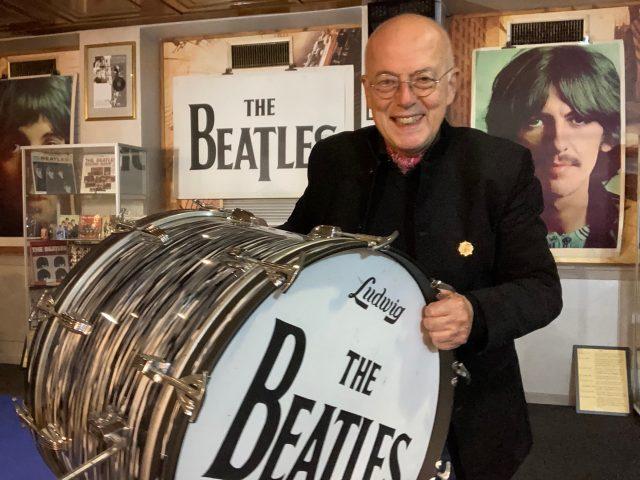 Sorridiamo alla notizia che finalmente riapre il Beatles Museum a Brescia